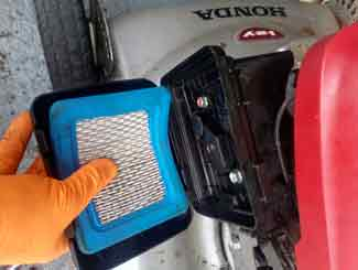 Mower air filter check