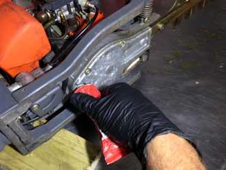 Hedge trimmer transmission oil fill