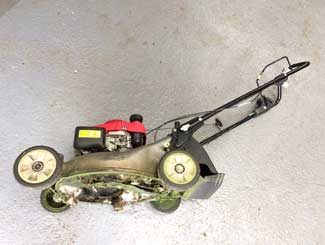 Mower tilted to the correct side