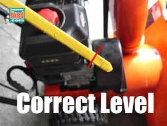 Correct snowblower oil level
