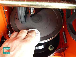 Clean friction plate