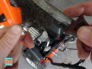 Wire brush plug